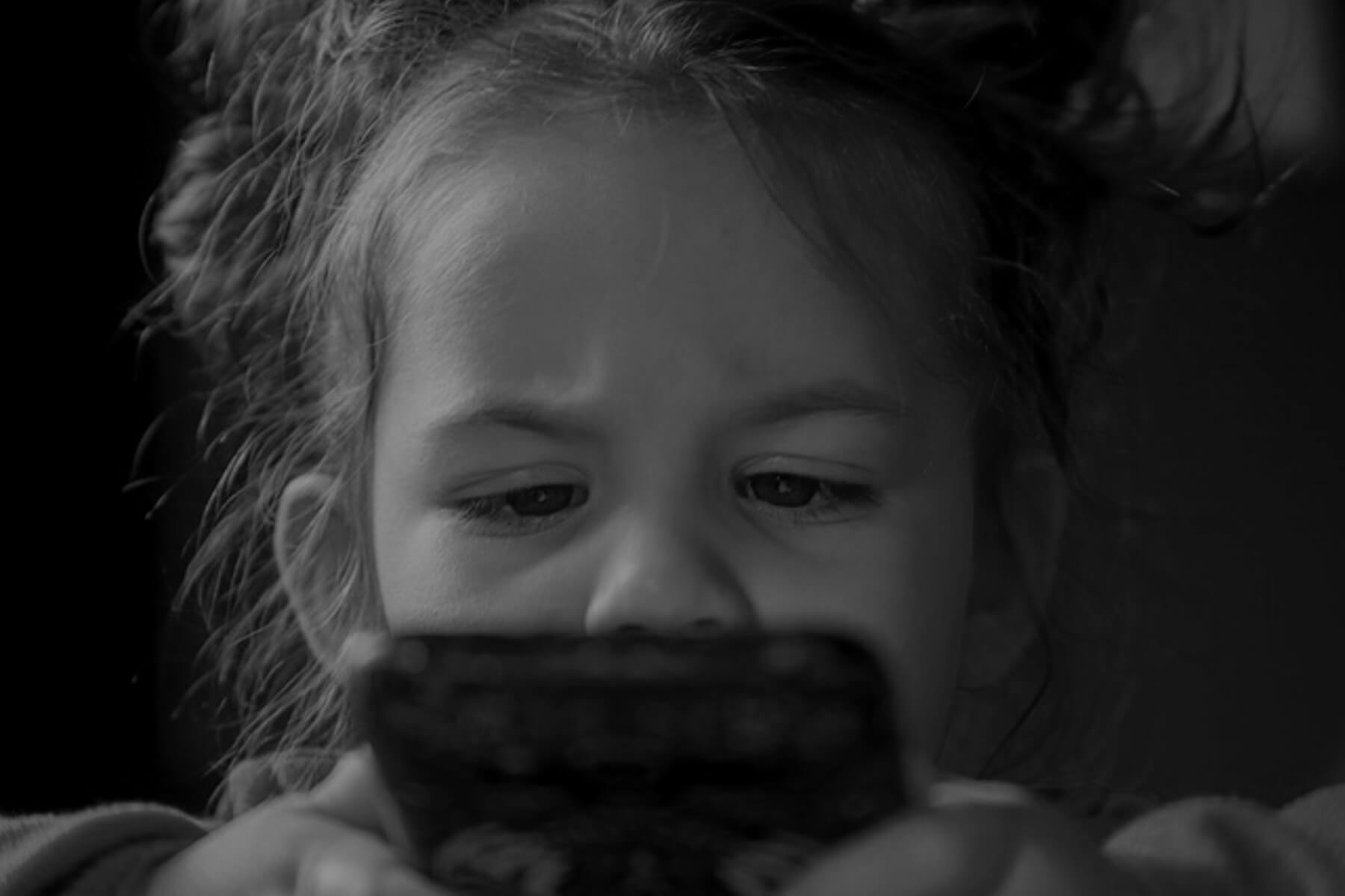 When is a Good Age for a Kid to Get a Smartphone?